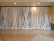 Интерьер зала 10 - драпировка тканью