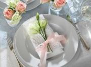 Украшение салфетки цветами 10