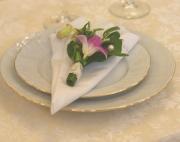 Украшение салфетки цветами 13